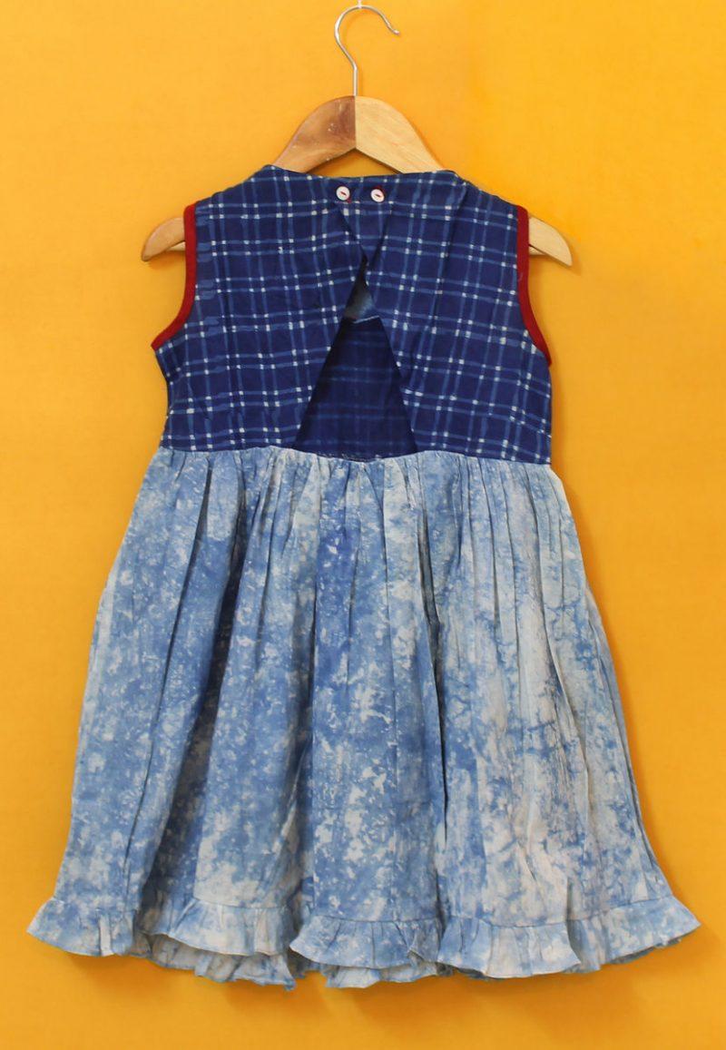GDR04 Cracked print dress back 02